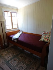 Day Bed and optional Single Bed